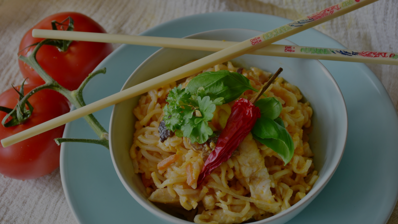 Vegan asian noodles in peanut sauce